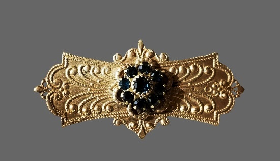 Antique gold tone Victorian style brooch with rhinestones