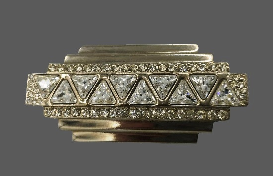 Art Deco bar brooch. Metal alloy, rhinestones