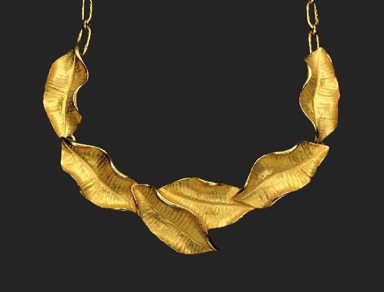 Autumn leaf gold tone necklace
