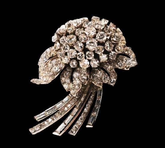 Bouquet of violets diamond brooch. Jacques Lacloche, circa 1937