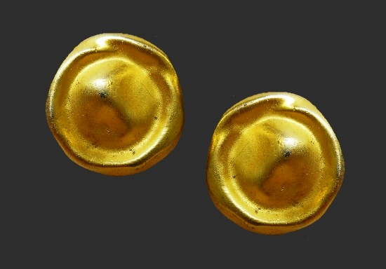 Brushed gold round shaped clip on earrings