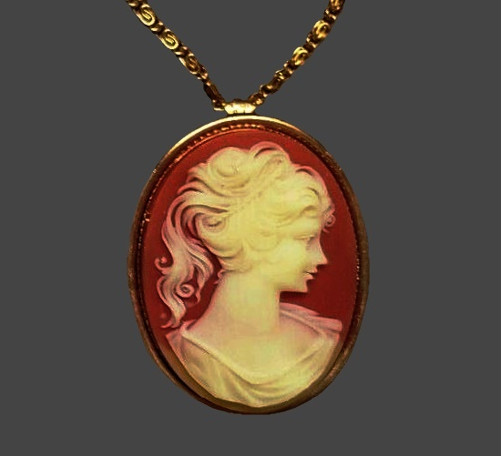 Cameo locket pendant with perfume glace inserts