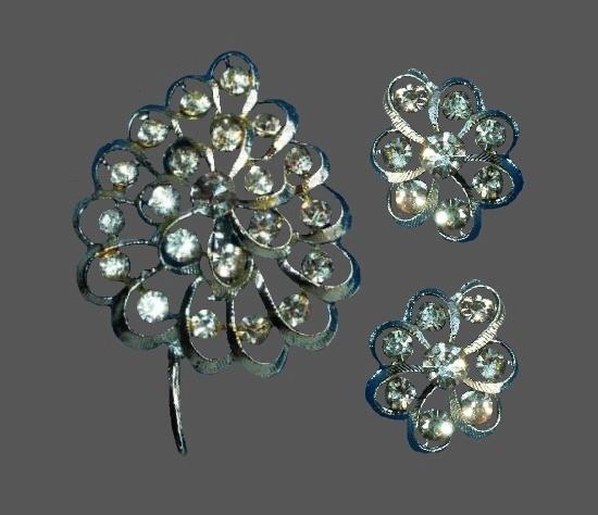 Clear rhinestone silver tone brooch and earrings