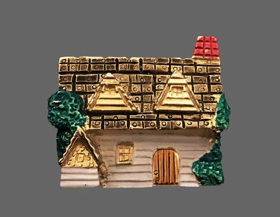 Cottage house brooch pin. Gold and silver tone metal alloy, enamel