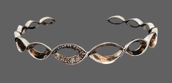 Cuff bracelet. 925 Sterling Silver, rhodium, Cubic Zirconia, ruby