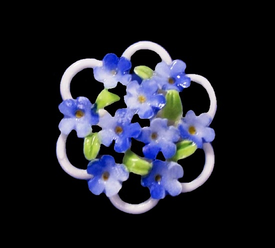 Delicate Forget-me-not bouquet brooch. Bone china, hand crafted. 4 cm. 1960s