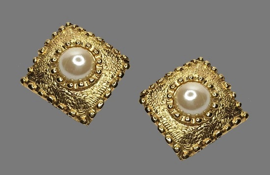 Diamond shaped faux pearl gold tone earrings