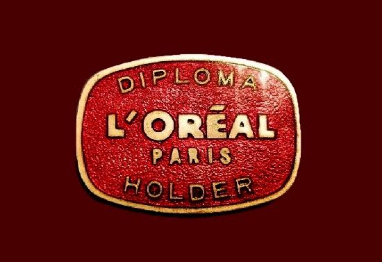 Diploma Holder badge. Brass, red enamel. 3.5 cm. 1970s