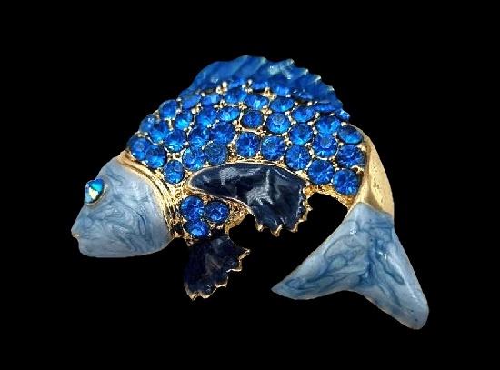 Exotic fish brooch. Gold tone metal alloy, enamel, rhinestones. 5 cm