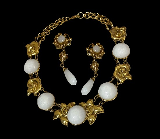 Floral motif necklace and clips. Gold tone metal, ceramics. 1980s