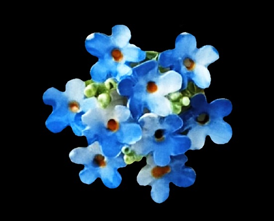 Forget-me-not bouquet brooch. Bone china, hand crafted. 3 cm. 1960s