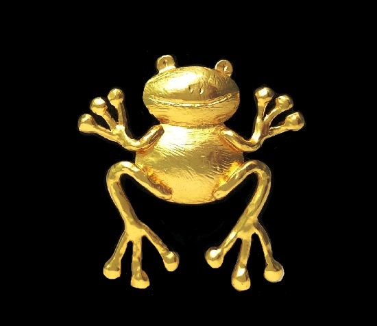 Frog gold plated brooch. 5.5 cm. 1980s