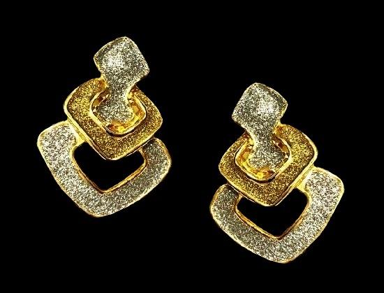 Geometric design earrings. 18 K gold plated metal alloy, glitter enamel. 3 cm. 1980s