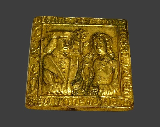Gold plated brooch inspired by medieval legend about Pierre de Provence and beautiful Neapolitan princess Maguelone