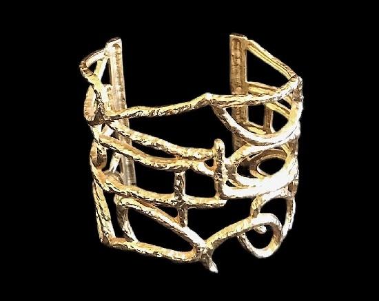 Gold plated cuff bracelet. 7 cm. 1980s