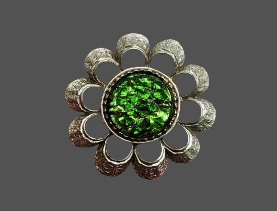 Green artglass silver tone textured metal flower design brooch. 4.5 cm. 1960s