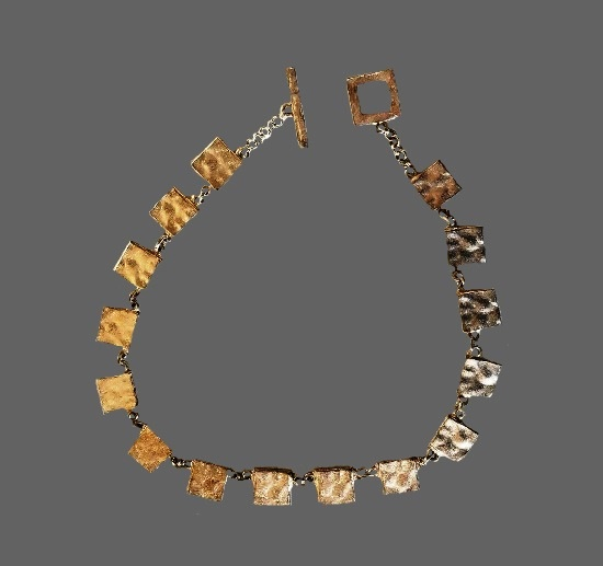 Hammered square links necklace