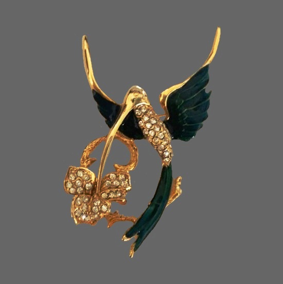 Hummingbird with flower vintage brooch. Gold tone, enamel, rhinestones