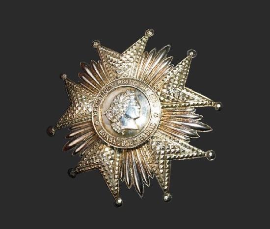 Légion d'Honneur breast star. Silver