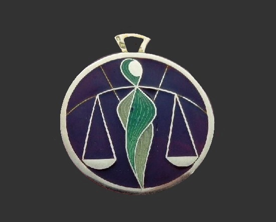 Libra 18 K gold pendant