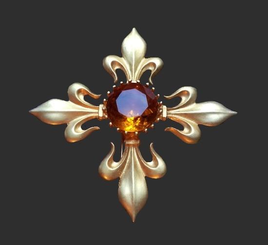 Maltese cross brooch. 22 K gold, metal alloy, crystal. 1980s
