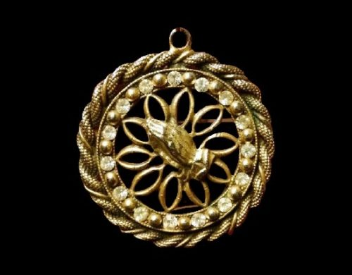 Praying hands round shaped filigree design pendant. Gold plated brass tone metal, rhinestones. 1960s