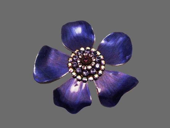 Purple flower brooch. Gold tone metal alloy, enamel, rhinestones