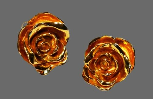 Rose bud clip on earrings of gold tone