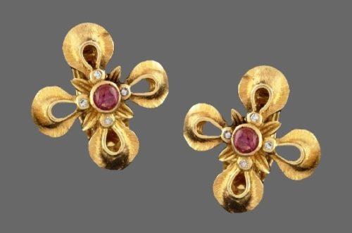 Ruby and diamonds 18 K gold flower clip on earrings