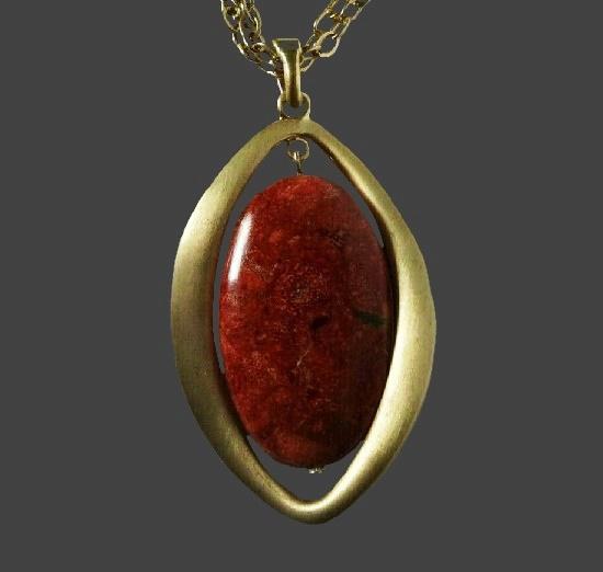 Semi-precious stone matte gold pendant