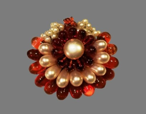 Semi-transparent glass faux pearls flower design brooch. 1940s