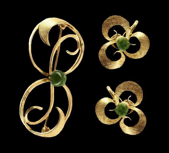 Spinach jade gold filled openwork floral design pin and earrings. 1950s