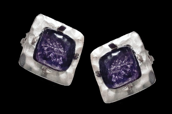 Square shaped clip on earrings. Silver tone metal alloy, art glass. 2.5 cm. 1990s