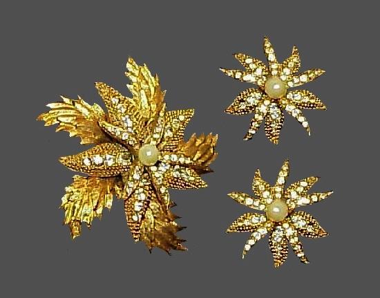 Starfish gold tone rhinestones brooch and earrings