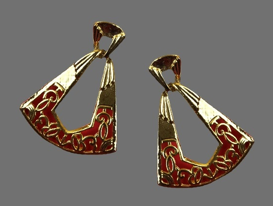 Textured gold plated metal pierced earrings