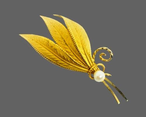 Three leaves 12k Gold filled faux pearl brooch