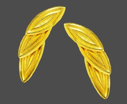 Three olive leaves gold earrings