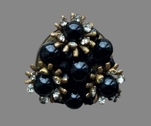 Triangular shape art glass metal alloy brooch
