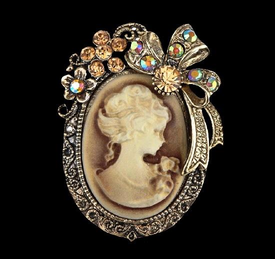 Victorian Lady Cameo Brooch. Silver tone, rhinestones, crystals