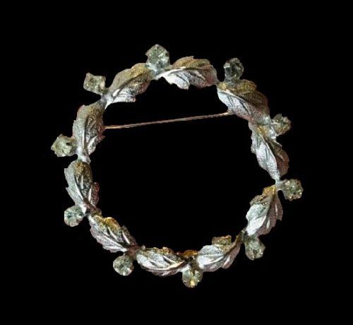 Wreath leaf design rhinestones pin
