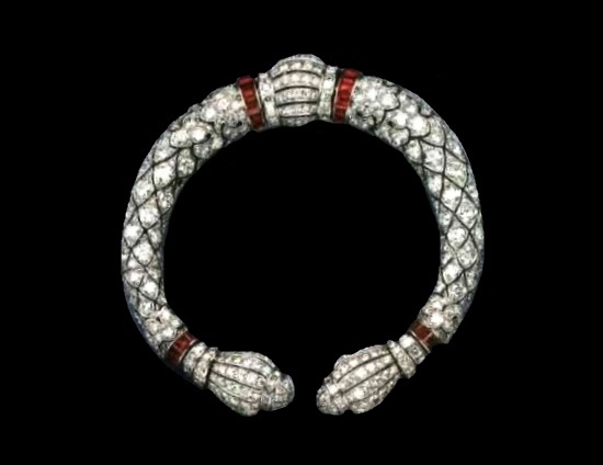 Wrist bracelet with rubies and diamonds. About 1925