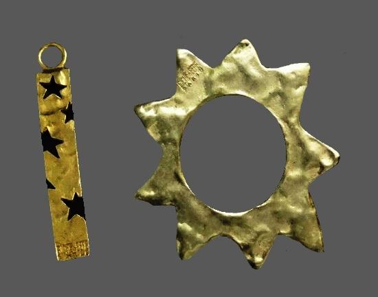Star design pendants