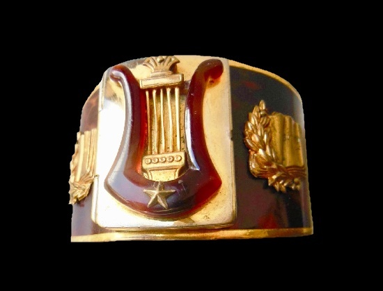 Art Deco bracelet for Mary Marquet. Gold tone, galalith