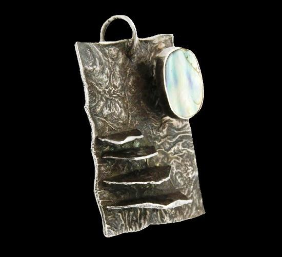 Artisan sterling silver abalone pendant. 4 cm