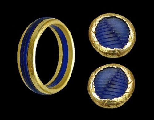 Blue plexiglass gold plated bangle bracelet and clip on earrings. 1980s
