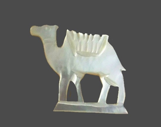 Camel mother-of-pearl brooch