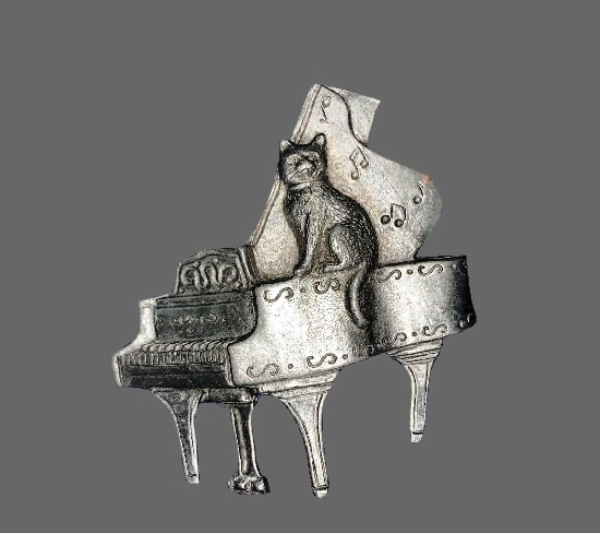 Cat on Piano pewter brooch