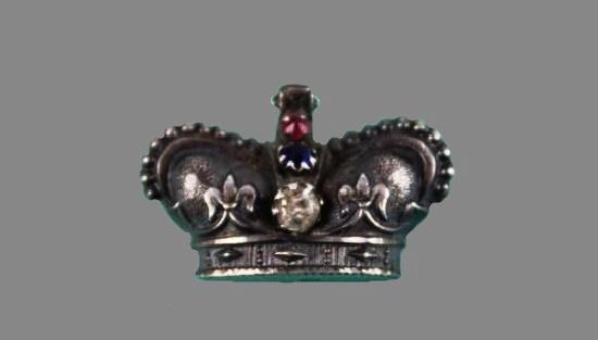 Crown sterling silver brooch. 1901
