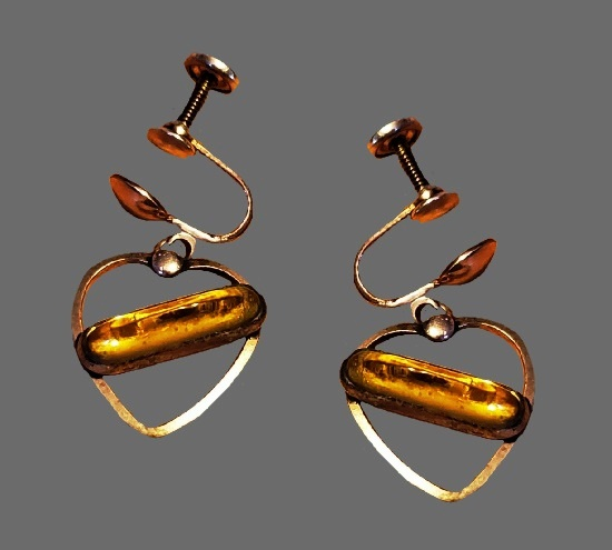 Dangle heart earrings. Amber glass, gold tone metal