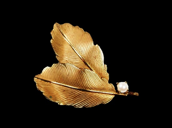 Double leaf brooch. 12 K gold filled, faux pearl